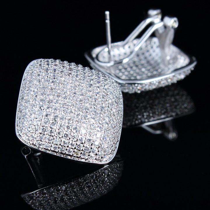 distribuzione componenti in cristallo per gioielli